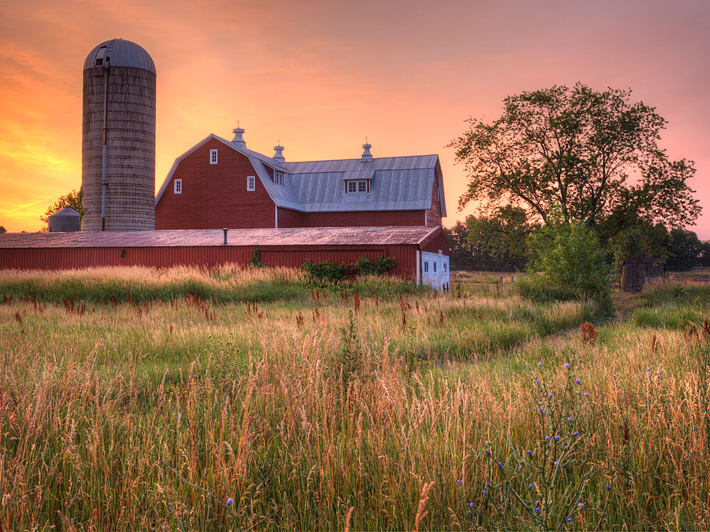 Eastmanville-Farm-Barn